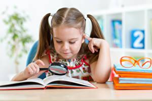 Фотография Школьные Девочки Очки Книга Увеличительное стекло Ребёнок