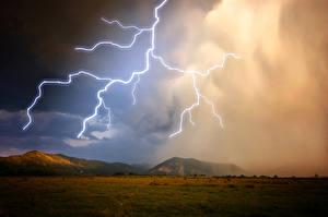 Фотография Небо Луга Молния Холмы Природа