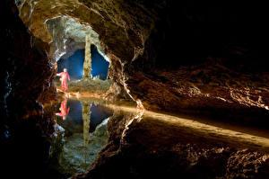 Картинки Вода Пещера Утес Отражение Природа