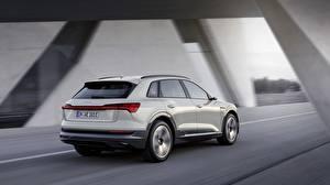 Фотографии Audi Белый Скорость E-Tron 2019 Машины