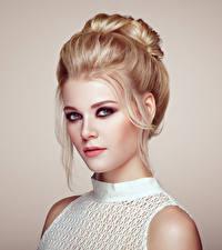 Картинка Блондинка Лицо Взгляд Красивые Макияж Девушки