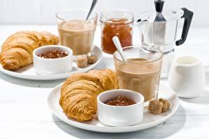 Фотографии Круассан Кофе Стакан Завтрак Пища