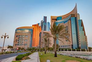 Фотография Объединённые Арабские Эмираты Здания Уличные фонари Дизайн Пальмы Abu Dhabi Города