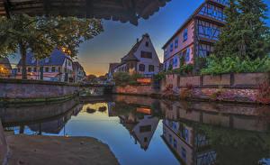 Картинка Франция Дома Речка Мосты Вечер Водный канал Weissenburg Alsace Города