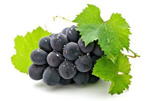 Картинка Виноград Крупным планом Белом фоне Листья Пища