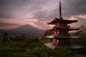 Картинка Здания Япония Фудзияма Вулкан Honshu Природа