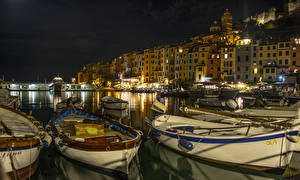 Фотография Италия Лигурия Пирсы Лодки Здания Залив Ночные PortoVenere Города