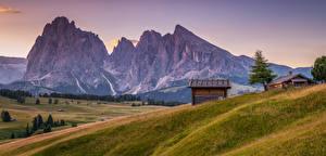 Фотография Италия Горы Луга Дома Вечер Альпы Природа