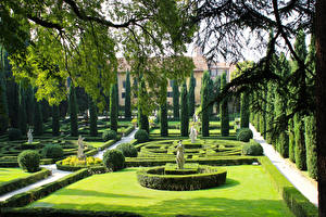 Фотографии Италия Верона Сады Скульптуры Дизайн Газон Кусты Giusti Garden Природа