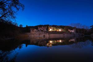 Фотографии Испания Речка Дворец Ночные Palacio Can Jalpi Catalonia Города