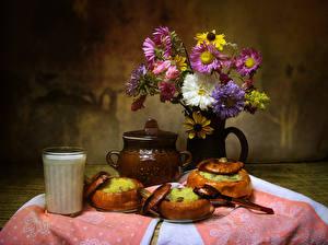 Картинка Натюрморт Астры Молоко Тыква Ваза Стакан Цветы Еда