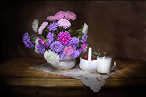 Фотографии Натюрморт Астры Молоко Малина Стол Чашка Цветы