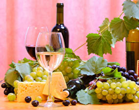 Обои Натюрморт Вино Виноград Сыры Бокалы Бутылка Еда
