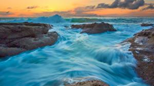 Картинки Рассветы и закаты Море Волны Камни Природа