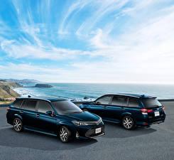 Картинки Toyota Двое Синий 2017 Corolla Fielder Hybrid G W×B Авто