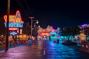 Обои Штаты Диснейленд Парки Здания Дороги Калифорния Анахайм HDRI Дизайн Ночные Уличные фонари