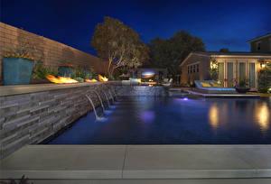 Картинка Штаты Вилла Калифорния Плавательный бассейн Ночные Уличные фонари San Juan Capistrano Города