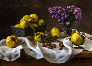 Фотографии Астры Яблоки Орехи Натюрморт Вазе Пища Цветы