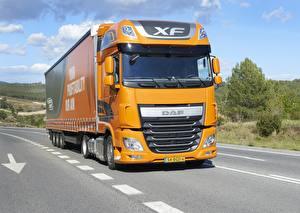 Обои Грузовики DAF Trucks Оранжевый Super Space Cab, 4х2, Low Deck, DAF XF 460 FT Машины