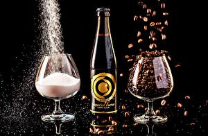 Картинки Напитки Пиво Кофе Соль Бокалы Бутылка На черном фоне Imperial porter Еда