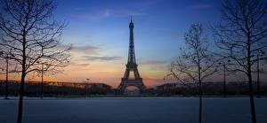 Обои Франция Вечер Эйфелева башня Париже Города