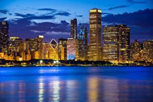 Фото Здания Вечер Побережье Небоскребы Озеро Чикаго город Lake Michigan Illinois Города