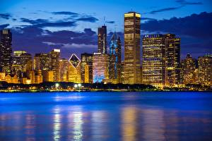 Фото Здания Вечер Побережье Небоскребы Озеро Чикаго город Lake Michigan Illinois