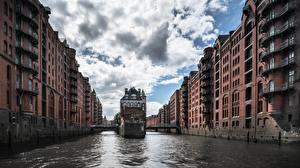 Картинка Здания Речка Мосты Гамбург Германия Speicherstadt Города