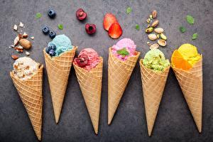 Фотографии Мороженое Орехи Черника Пища