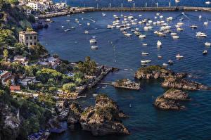 Фотографии Италия Здания Пирсы Речные суда Залив Утес Cartaromana bay Ischia Города