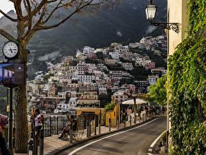 Фотография Италия Позитано Дома Часы Уличные фонари
