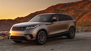 Картинки Land Rover Серебристый 2018 Dynamic Velar Авто