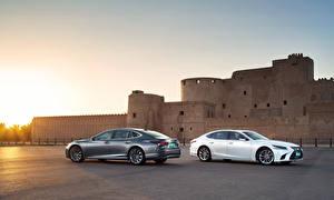 Картинка Lexus 2 Сбоку 2017-18 LS 500h AWD Worldwide Автомобили Автомобили