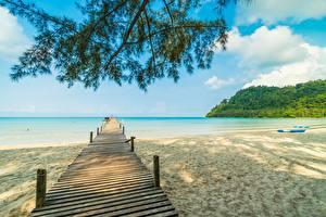 Картинки Причалы Море Пляж Природа