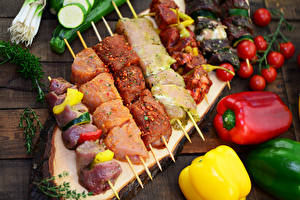 Обои Мясные продукты Шашлык Овощи Помидоры Перец Продукты питания