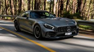 Картинка Mercedes-Benz Серые Движение Купе AMG 2018 GT R авто