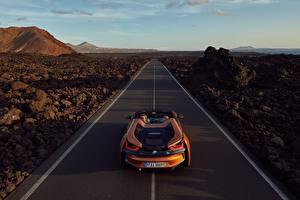 Обои для рабочего стола Дороги БМВ Оранжевый Родстер 2018 i8 автомобиль