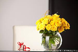 Обои Розы Ваза Желтый Подарки