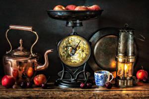 Фото Натюрморт Чайник Яблоки Черешня Свечи Чашка