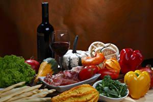 Картинки Натюрморт Вино Тыква Перец овощной Ветчина Овощи Томаты Бутылка Бокал Еда