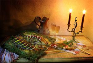 Фотографии Вино Свечи Морепродукты Рыба Укроп Кувшин Бокалы Еда