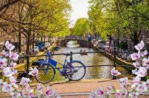 Обои Амстердам Нидерланды Велосипед Водный канал