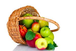 Обои Яблоки Белый фон Корзина Продукты питания