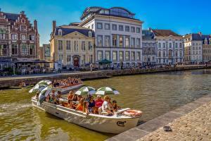 Обои Бельгия Гент Лодки Дома Зонт Города картинки