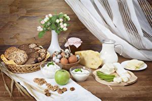 Фото Хлеб Сыры Яблоки Творог Молоко Орехи Завтрак Вазе Яйцо Кувшин Пища