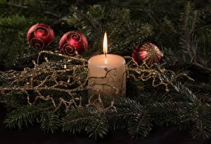 Картинка Новый год Свечи Огонь Вблизи Шарики Ветки