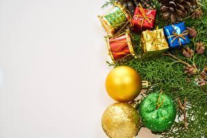 Картинка Новый год Праздники Подарки Шарики
