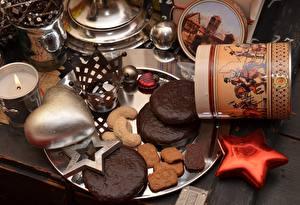 Картинка Печенье Выпечка Корона Сердечко Звездочки Продукты питания