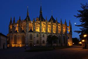 Картинка Чехия Храм Церковь Ночь St. Barbara church Kutna Hora Города