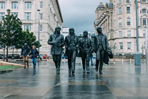 Обои для рабочего стола Англия Скульптура The Beatles Памятники Liverpool Города